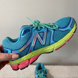 NEW BALANCE 10 Women's 580v4 Aqua Running Shoes